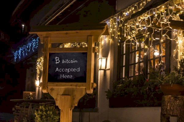 Swiss Luxury Hotel Accepts Bitcoin Showing Increase in Adoption, CEO Explains Motive
