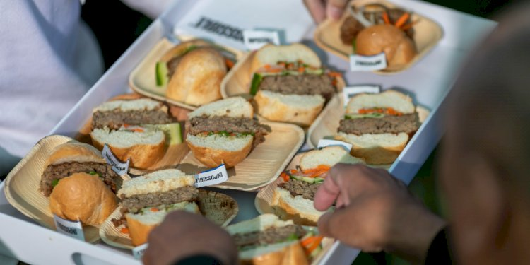Impossible Foods enters grocery stores outside the U.S. for the first time