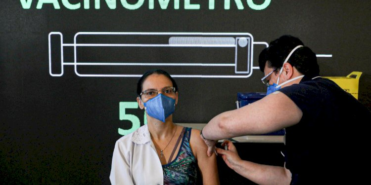 Public health officials warn about slow vaccine rollout as coronavirus variants multiply