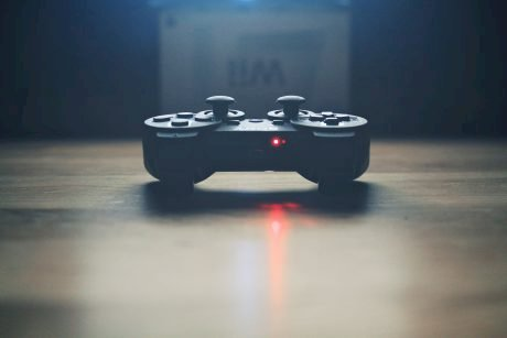 Play to Earn – Disrupting the NFT Gaming Industry – A DeFi Approach